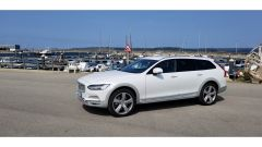 Volvo V90 Cross Country D5 Ocean Race: vista 3/4 anteriore