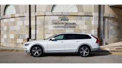 Volvo V90 Cross Country D5 Ocean Race: vista lato sinistro