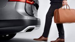 Volvo V90 Cross Country: il portellone del bagagliaio si può aprire senza mani
