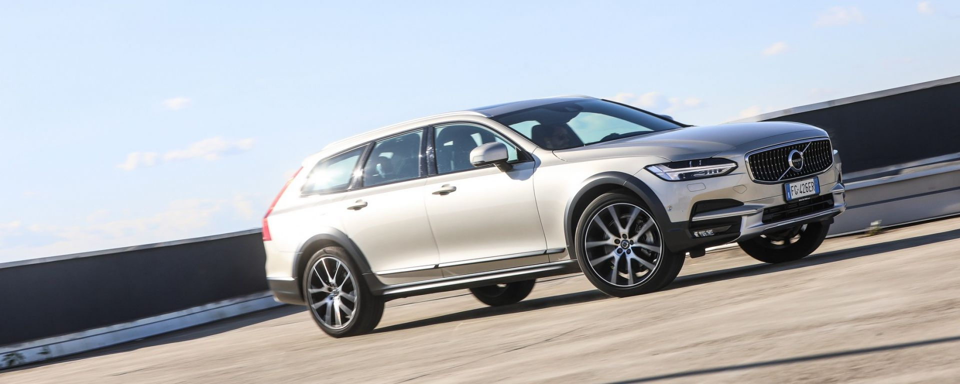 Volvo V90 Cross Country: la prova su strada