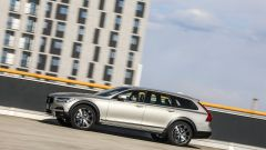 Volvo V90 Cross Country: la station con l'assetto rialzato - Immagine: 31