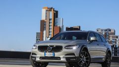 Volvo V90 Cross Country: vista 3/4 anteriore