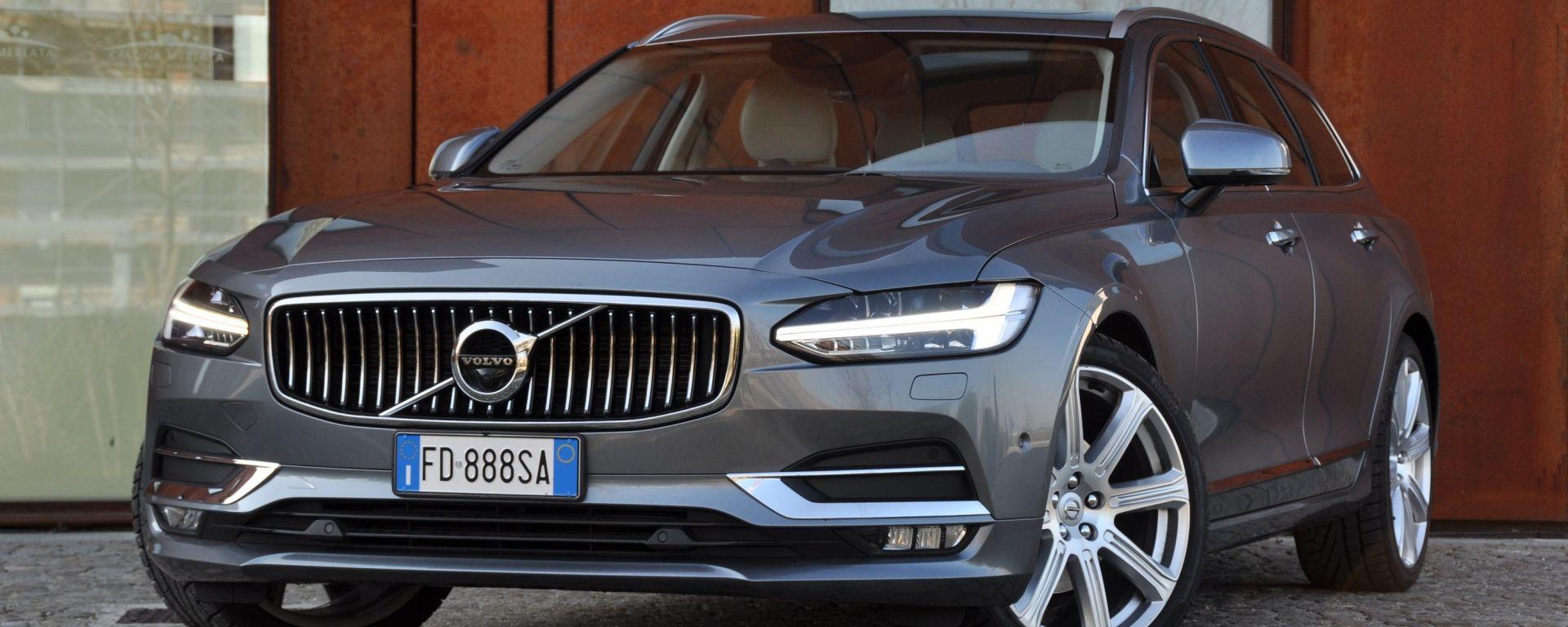 Volvo V90 D4 Geartronic Inscription: il frontale è immediatamente riconoscibile