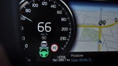 Volvo V90 D4 Geartronic Inscription: il Pilot Assist è un sistema di guida semi autonoma