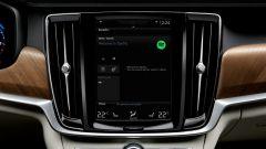 Volvo V90: il sistema di infotainment supporta anche Apple CarPlay e in futuro sarà compatibile anche con Android Auto