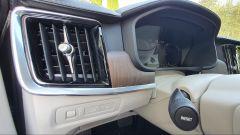Volvo V90 T6 Recharge Plug-in Hybrid AWD Inscription, dettaglio della bocchetta di ventilazione