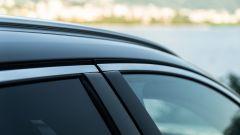 Volvo V90 T6 Recharge Plug-in Hybrid AWD Inscription, dettaglio delle barre sul tetto