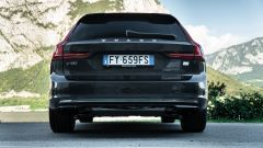 Volvo V90 T6 Recharge Plug-in Hybrid AWD Inscription, il posteriore