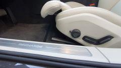 Volvo V90 T6 Recharge Plug-in Hybrid AWD Inscription, le regolazioni del sedile di guida