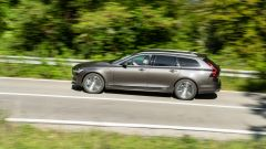 Volvo V90 T6 Recharge Plug-in Hybrid AWD Inscription spicca per il comfort alla guida