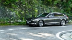 Volvo V90 T6 Recharge Plug-in Hybrid AWD Inscription, un momento del test drive