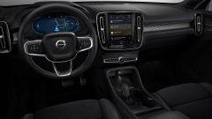 Volvo XC40 Recharge, cresce l'autonomia e arriva dal cielo - Immagine: 4