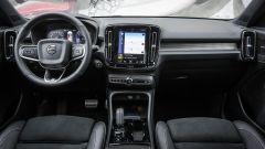 Volvo XC40: gli interni