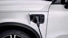 Volvo XC40 ibrida plug-in, il cavo di corrente