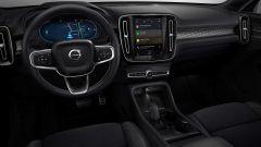Volvo XC40 Recharge: gli interni