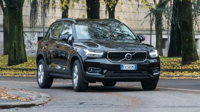 Volvo XC40 T3: il SUV compatto è agile su strada