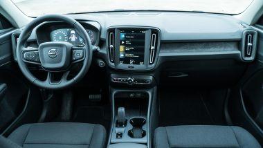Volvo XC40 T3: la plancia della vettura