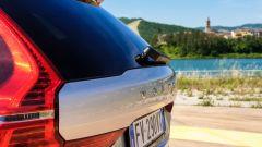 Volvo XC60 AWD Momentum Pro, dettaglio del posteriore