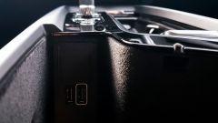 Volvo XC60 AWD Momentum Pro, le prese USB nella console centrale