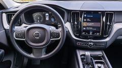 Volvo XC60 AWD Momentum Pro, panoramica dei comandi