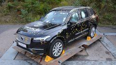 Volvo XC90 blindata, i test anti proiettile