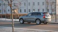 Volvo XC90  D5 AWD Inscription: misura 495 x 214 x 177,5 cm