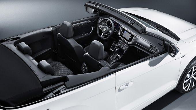 VW T-Roc Cabrio, a bordo spazio anche per quattro
