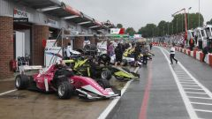 W-Series, Emma Kimilainen in testa nelle FP1 a Brands Hatch - Immagine: 5