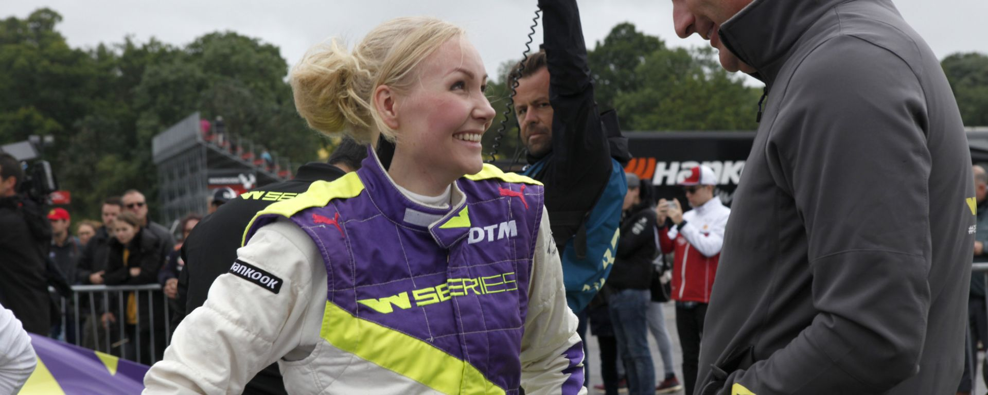 W-Series, Emma Kimilainen in testa nelle FP1 a Brands Hatch