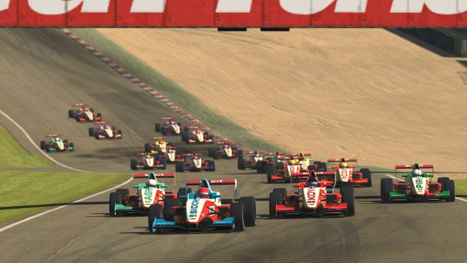 W-Series eSport 2020, Brands Hatch: La partenza di gara-2
