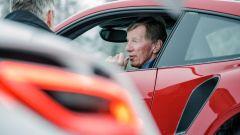 Walter Rohrl a bordo di una Porsche 911 Turbo