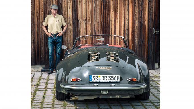 Walter Rohrl con la sua Porsche 356 3000 RR (Rohrl Roadster)