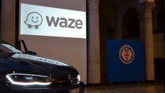 Waze: sulle Volkswagen fa strada... il Maggiolino - Immagine: 2