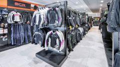 Wheelup Arezzo, giacche e pantaloni in esposizione