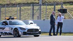Whiting ispeziona la pista di Barcellona durante i test F1 2019
