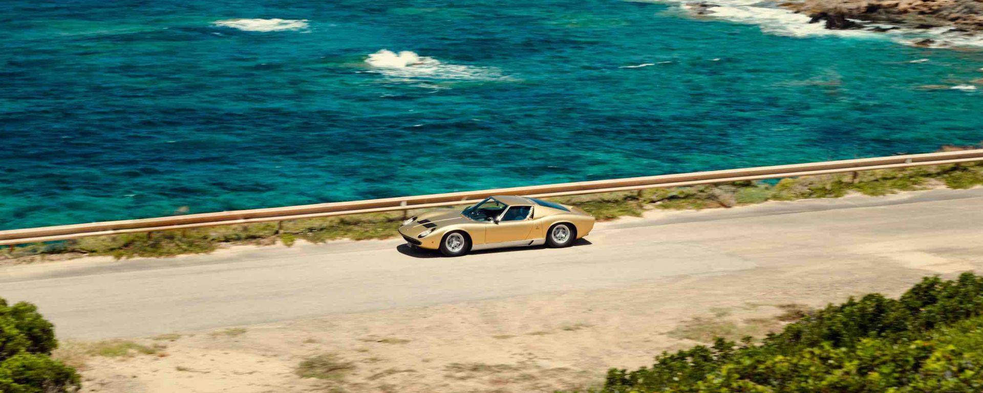 In libreria un volume fotografico di Lamborghini pubblicato da Skira