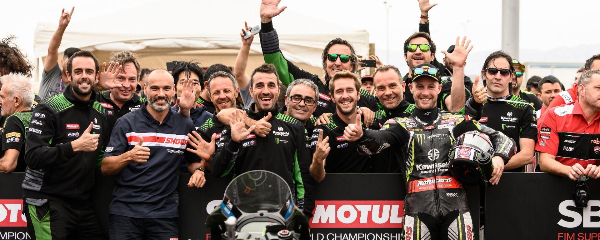 World Superbike 2019, Round Losail, Jonathan Rea e la Kawasaki festeggiano il titolo mondiale