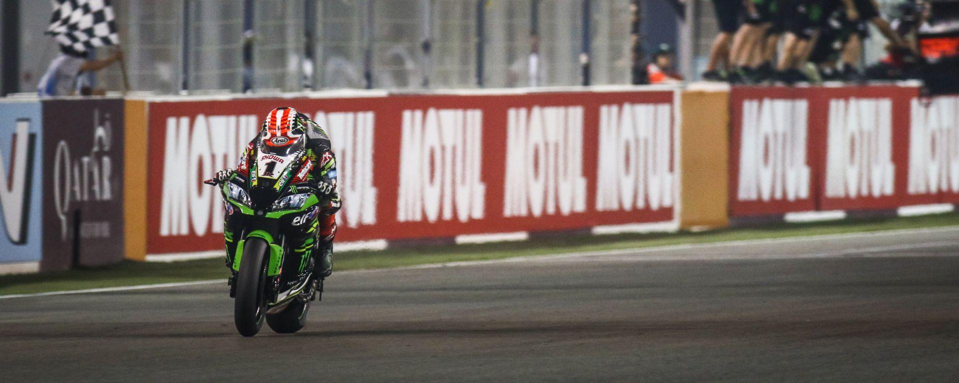 World Superbike 2019, round Losail, Qatar: Jonathan Rea (Kawasaki) vince gara-2