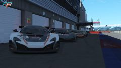 World's Fastest Gamer, le McLaren pronte in pit-lane