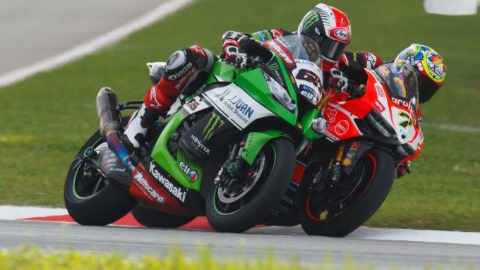 WorldSBK 2015, Jonathan Rea (Kawasaki) vs Carlos Checa (Ducati)