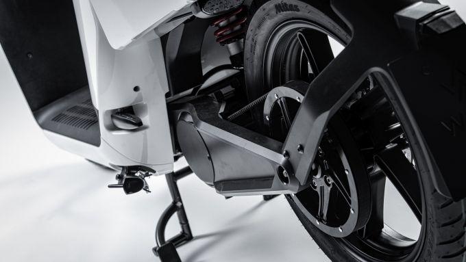 Wow! Model 4/6: motore centrale e trasmissione a cinghia dentata
