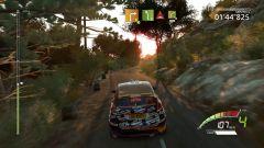 WRC 7 vi permette di gareggiare su più terreni, dalla neve alla sabbia, passando per ghiaia e fango
