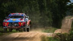 Rally Estonia: comanda Tanak, Neuville ritirato