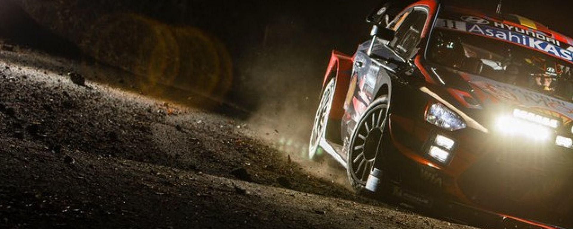 WRC, Rally Montecarlo 2020: Thierry Neuville (Hyundai) in azione nella PS2