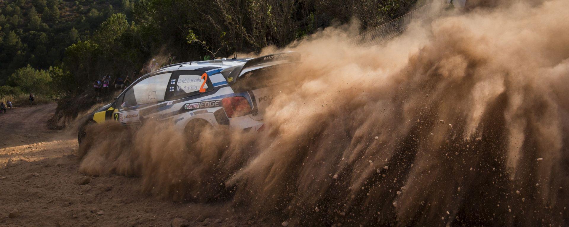 WRC Rally Sardegna: Latvala alla rincorsa di Neuville