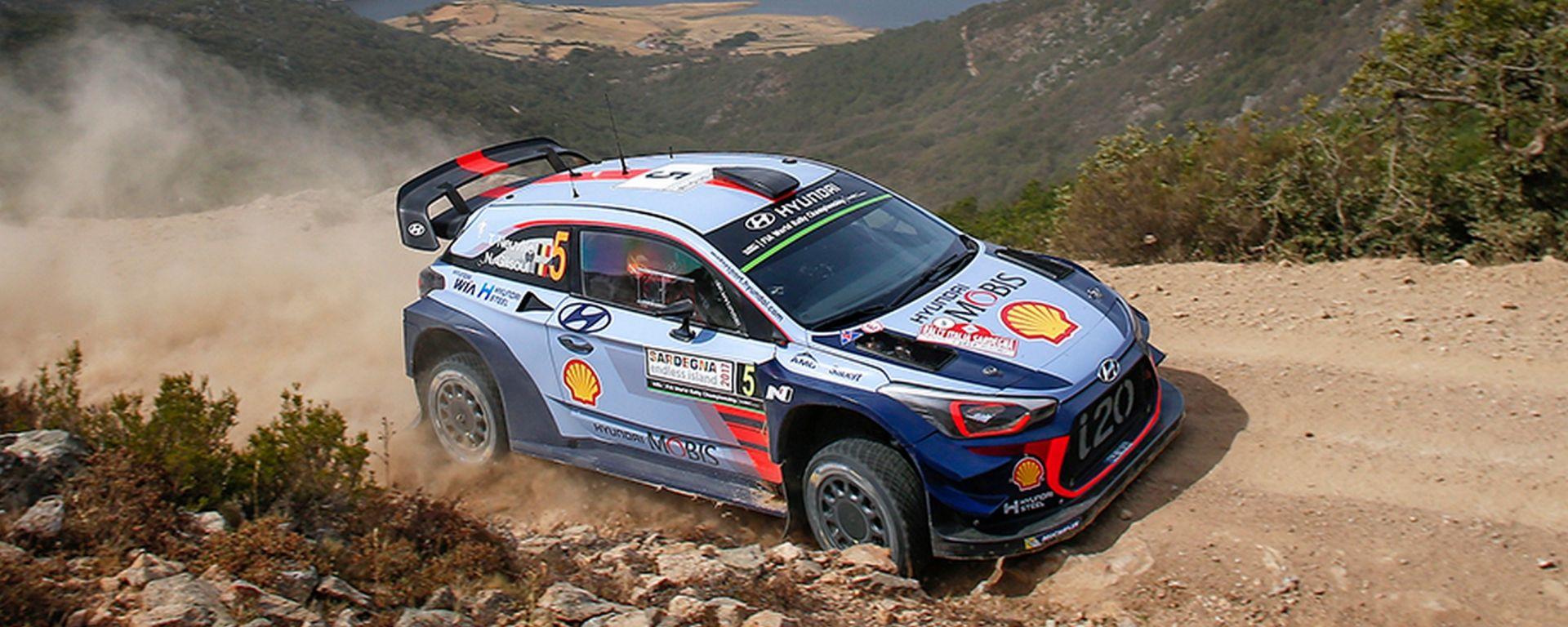 WRC Sardegna 2017: navigatori Hyundai i20 WRC per un giorno