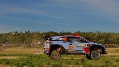 WRC Sardegna 2017: navigatori Hyundai i20 WRC per un giorno - Immagine: 6