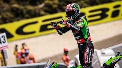 WSBK 2021: Jonathan Rea (Kawasaki) festeggia la vittoria all'Estoril