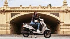 Yamaha D'elight 125 si rinnova: peso piuma e prezzo sotto i 3.000 euro - Immagine: 1