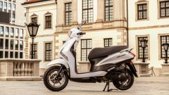 Yamaha D'elight 125 si rinnova: peso piuma e prezzo sotto i 3.000 euro - Immagine: 9